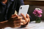 """Galaxy A8 Star: tuyệt vời nhưng quá """"khổng lồ"""""""