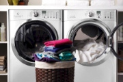 Quần áo thơm tho vào ngày mưa to với máy giặt sấy tích hợp