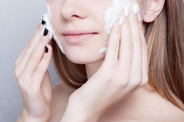 Tự tin xinh đẹp ngày hè với làn da được bảo vệ