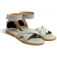 Giày Sandals Đế Bệt Quai Chéo Cindydrella C10