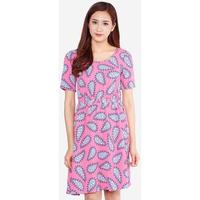Đầm Họa Tiết Tay Ngắn Eo Thun The One Fashion DDY2221