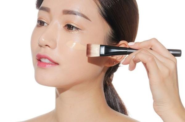 6 Cách thức cần chú ý để giữ lớp makeup của bạn ở yên trên mặt cả ngày ngày mưa