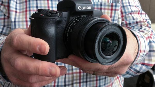 Viên pin của chiếc máy ảnh không gương lật Canon và Nikon mới đỉnh hơn cả thông tin mà hãng đưa ra?