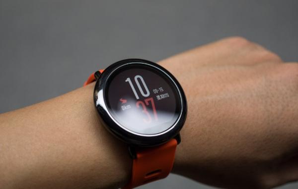 """Xiaomi với nhiều sản phẩm smartwatch giá """"hạt dẻ"""" sẽ được trình làng vào ngày 17 tháng này"""