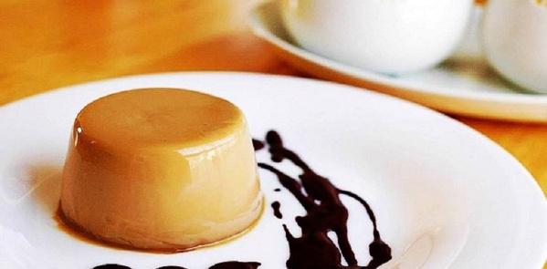 Ngày nghỉ ngọt ngào với món Panna Cotta Caramel đơn giản