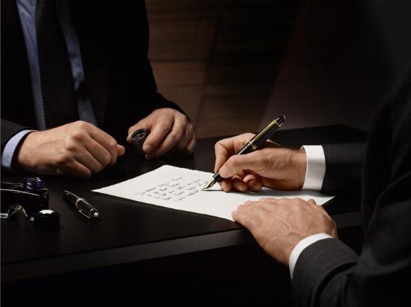 Top 8 bút ký tên cao cấp được yêu thích nhất hiện nay