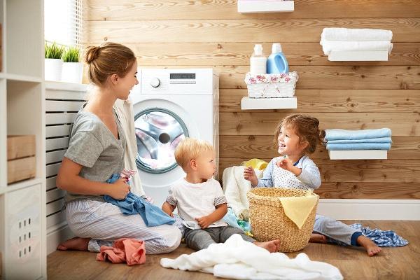 Top 15 loại nước giặt thơm lâu được ưa chuộng nhất hiện nay