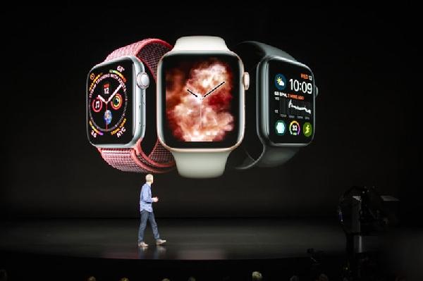 Apple Watch Series 4 đã có những bước tiến mới nào so với tiền bối đi trước?