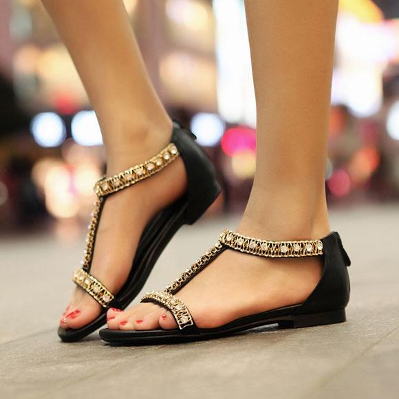 5 loại giày dép cơ bản mà phái nữ nhất định phải có