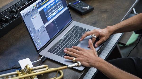 """Macbook Pro 2018 có phải là bản nâng cấp """"hoàn hảo"""""""